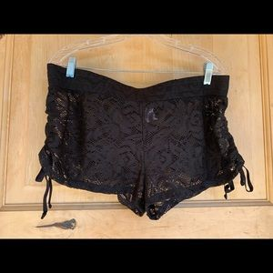 OP Lace Shorts 🌺 So cute over bikini bottoms! XL